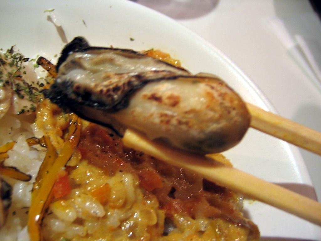 バーナーで炙った牡蠣
