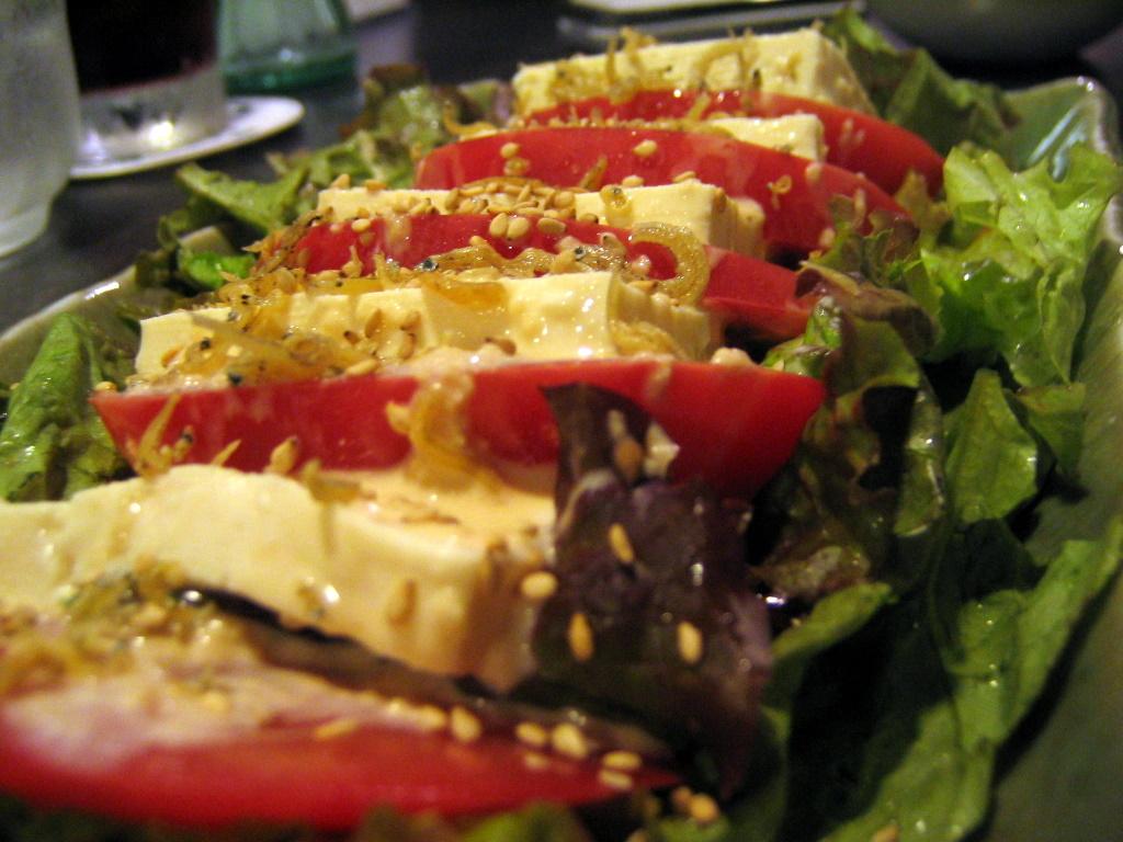 トマトと豆腐のチャ~ドレサラダ