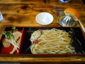 醤油香り、ツケ麺