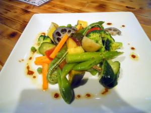 本日の旬菜サラダ