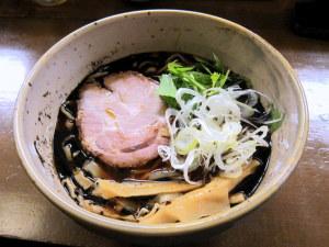 黒煮干し麺