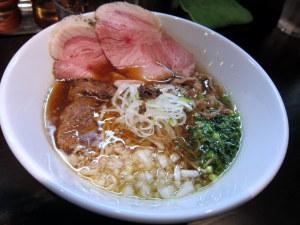 牛醤油チャーシュー麺