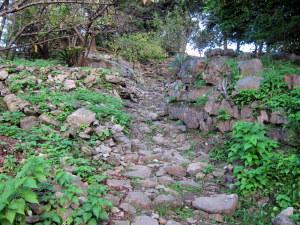 城跡への道