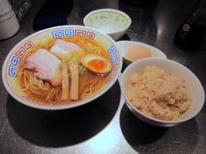 煮干ら~めんと生卵かけごはん(名古屋コーチン)
